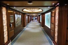 QUEEN ELIZABETH - Gang von der Grand Lobby zum Britannia Restaurant auf Deck 2